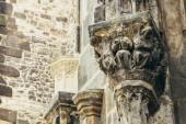 Flachrelief auf Liebfrauenkirche vor dem Teyn In Prag, Tschechien — Stockfoto