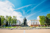 Monument In Honor Of The National Poet And Writer Of Belarus Yak — Stockfoto