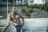 Handsome Muscular Shirtless Hunk Man Outdoor in City — Stock Photo