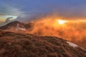 Amanecer en las montañas de fagaras — Foto de Stock