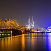 Cologne Night Skyline with Cathedral on the rhine river — Stock Photo