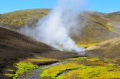 Iceland, hot springs in the mountains — Stock Photo