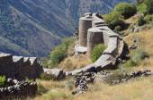 Armenia, fortress Smbataberd high in the mountains, 5th century, rebuilt in the 14th century — Stock Photo