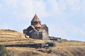 O mosteiro armênio do século IX de sevanavank no lago sevan. — Fotografia Stock