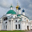 Zachatievsky cathedral in Spaso-Yakovlevsky Dimitriev monastery in Rostov, Golden ring of Russia — Stock Photo #61286945