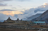 Nepal, the village of Phortse Tenga in the Himalayas, 3600 meters above sea level,  ancient stupas at sunset — Stock Photo
