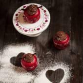 Babeczki czekoladowe z serca kształty — Zdjęcie stockowe