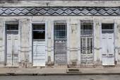 Old French colonial house in the center of Cienfuegos - Cuba - North America — Stock Photo