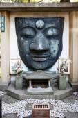 остатки ueno daibatsu статуя будды в парке ueno - токио - япония — Стоковое фото