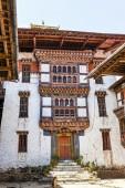 Courtyard - interiör av Luentshe (Lhuntse) Dzong kloster i Östra Bhutan - Asien — Stockfoto