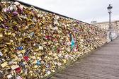 パリの愛の架け橋 — ストック写真