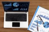 Financial analysis with business chart — Stock Photo