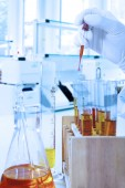 Scientist doing chemical test — Stock Photo