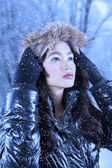 Asian woman wearing winter clothes outdoor — Stock Photo