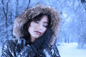 Vacker kvinna i vinterkläder — Stockfoto