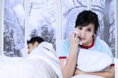 Asian lady crying on bed — Stock Photo