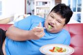 Man try to diet by eating vegetable 3 — Stock Photo