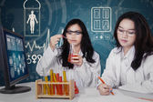 Students working in the modern lab — Stock Photo