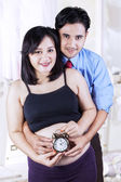 Two parents waiting childbirth — Stock Photo