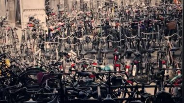 Bicycles parked in line — ストックビデオ