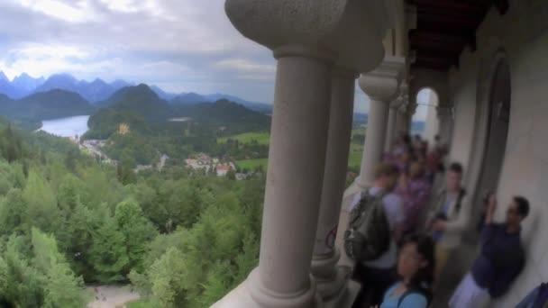 People viewing landscape — Vidéo