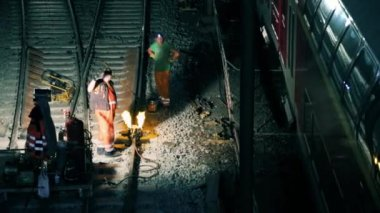 Workers making repairs to the rail tracks — Stock Video