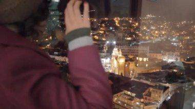 Female tourist watching panoramic viewpoint — Stock Video