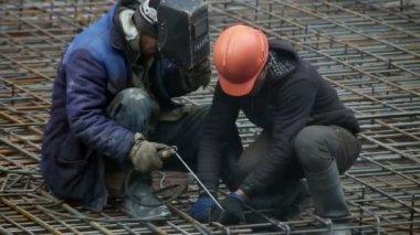 Men doing welding — Stock Video