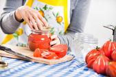 トマト ソースの準備 — ストック写真