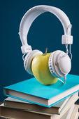 Koncepcja przerwa ze słuchawkami — Zdjęcie stockowe