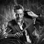 ������, ������: Businessman dealing with jungle dangers