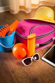 Summer vacations packing — Stok fotoğraf