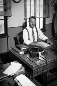 Uomo d'affari che lavorano alla scrivania — Foto Stock