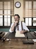 Confident businessman working — Stockfoto