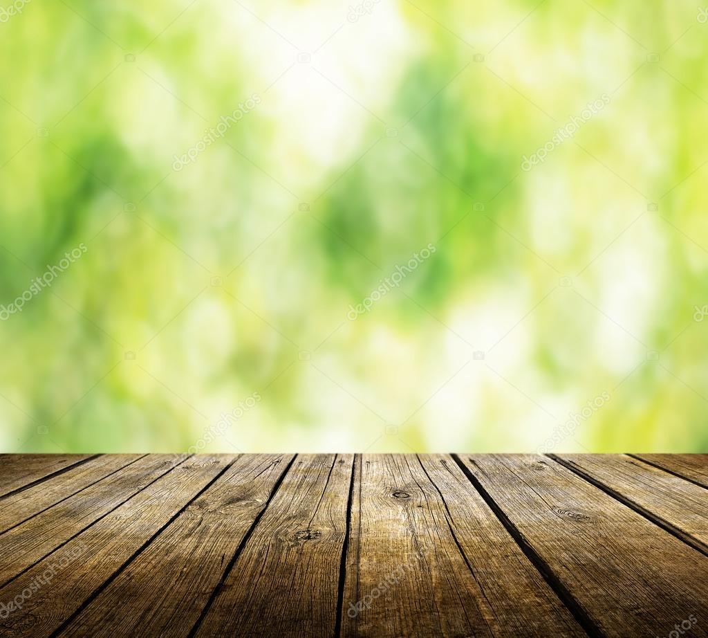 Tabela Vazia Com Fundo Verde Turva Foto Stock
