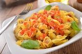 Tasty tortellini with sauce — Stock Photo
