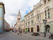 Nikolskaya Street and Moscow Kremlin — Stock Photo
