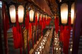 Buddhist chinese lamps in Man Mo temple, Hong Kong — Stock Photo