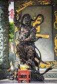 Warrior statue in Wong Tai Sin temple, Hong Kong. — Stock Photo
