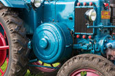 Closeup of a historic old tractor during a Dutch agricultural festival — Stock Photo