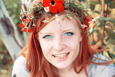 Teen girl with wreath — Stock Photo