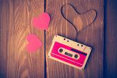 Nastro a cassetta audio a forma di cuore. Annata di ritocco. — Foto Stock