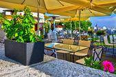 Restaurant near the Hungarian Parliament — Stock Photo