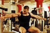 Bodybuilder training gym — Stock Photo