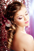 Makeup, hairstyle. Young beautiful woman with luxurious hair. Mo — Stock Photo