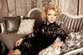 Beauty rich luxury woman like Marilyn Monroe. Beautiful fashiona — Foto Stock