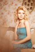 Beauty woman. Face of a young beautiful smiling blondy girl — Stockfoto