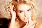 Beauty woman. Face of a young beautiful smiling blondy girl — Foto de Stock