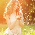 Young spring fashion woman  in spring garden. Springtime. Trendy — Stock Photo #71594789