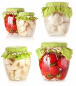 Canned tomatoes and garlic — Stock Photo